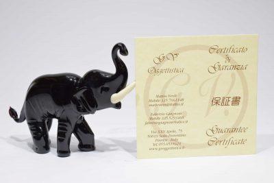Elefante nero