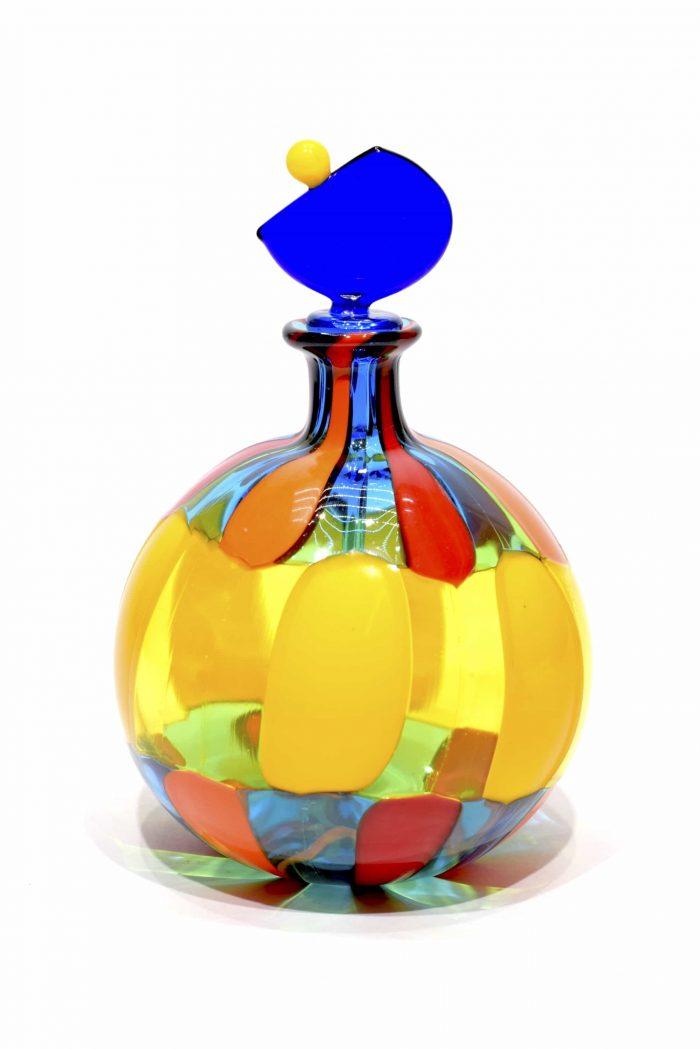 bottiglia pezzata in vetro di murano firmata