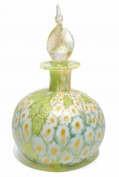 bottiglia con murrine in vetro di murano