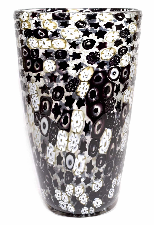 vaso in vetro di murano con murrine nere firmato