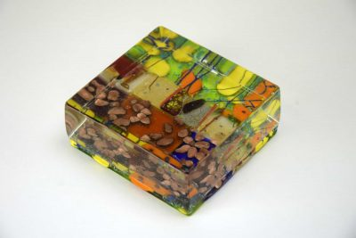 Multicolor paperweight