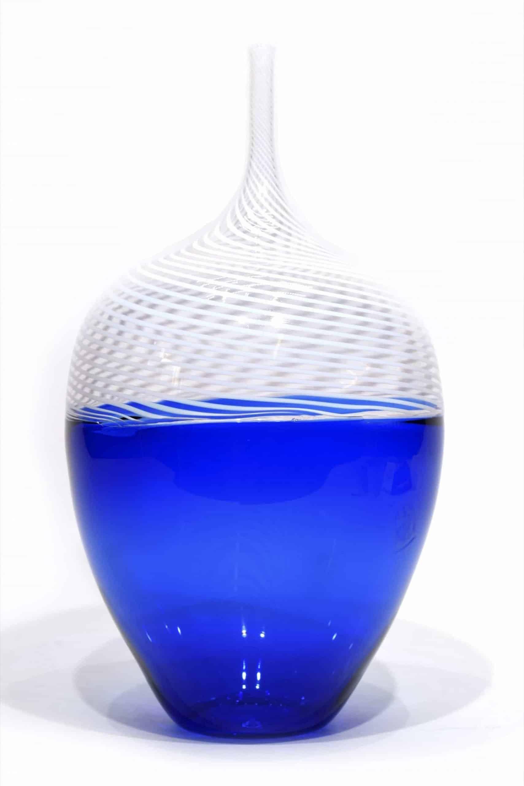 vaso incalmo con filigrana in vetro di murano