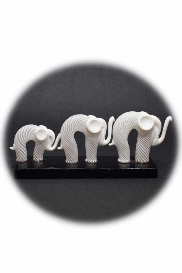 elefanti con filigrana in vetro di murano