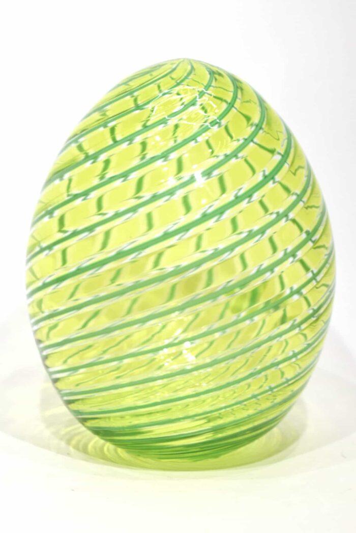uovo con filigrana in vetro di murano