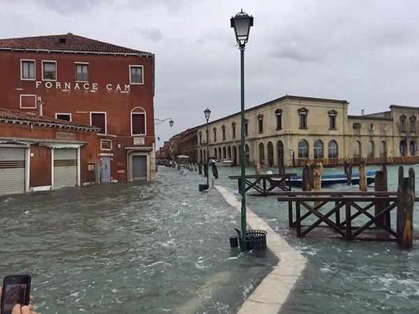 Acqua alta a Murano